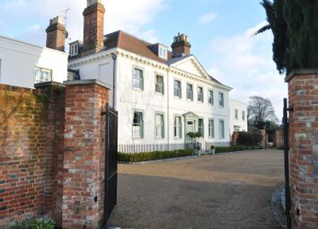 Thumbnail 3 bed flat to rent in Parkers Lane, Ashtead