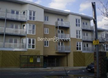 1 bed flat to rent in High Road, Ilford IG1