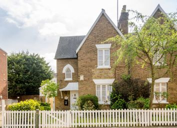 Thumbnail 2 bed cottage to rent in Highfield Road, Golders Green