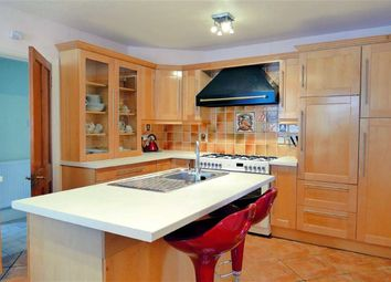Thumbnail 2 bed flat for sale in Oxford Road, Calne