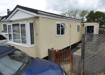 Thumbnail 2 bedroom mobile/park home for sale in Roxborough Drive, Foxhall Manor Park, Didcot, Oxon, Oxfordshire