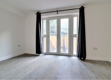 2 bed property to rent in Foulden Road, Stoke Newington N16