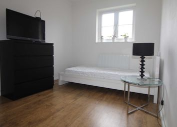 Thumbnail Room to rent in Knowles Close, West Drayton