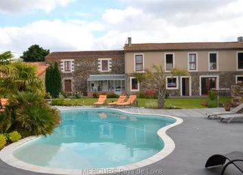 Thumbnail 5 bed property for sale in Nantes, Pays-De-La-Loire, 44000, France