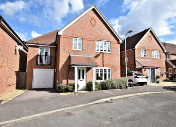 Thumbnail 4 bedroom detached house to rent in Skylark Way, Shinfield, Reading