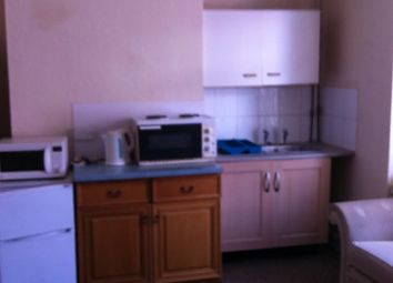 Thumbnail Room to rent in Castle Avenue, Canklow, Cankow, Rotherham