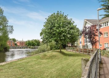 Thumbnail 2 bed flat for sale in Kennet Walk, Reading