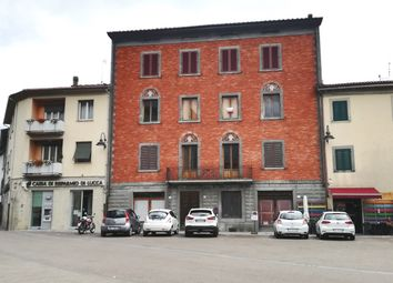 Thumbnail 4 bed apartment for sale in Piazza Vittorio Emmanuele Gallicano, Tuscany, Italy