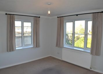 Thumbnail 2 bed flat for sale in Fairlawn Road, Tadley