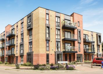 Thumbnail 2 bed flat for sale in Oscar Wilde Road, Reading