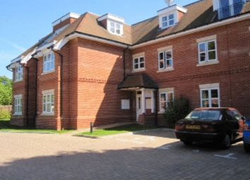 Thumbnail 2 bedroom flat to rent in The Avenue, Tadworth