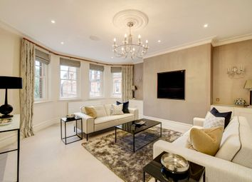 Thumbnail 3 bed flat to rent in Cheyne Court, Chelsea