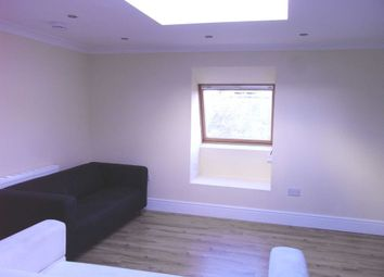 2 bed flat to rent in London Street, Reading RG1