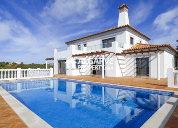 Thumbnail 4 bed villa for sale in Moncarapacho, Moncarapacho E Fuseta, Algarve