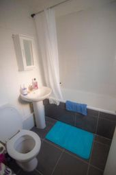 3 bed flat to rent in Gladstone Avenue, Wood Green N22