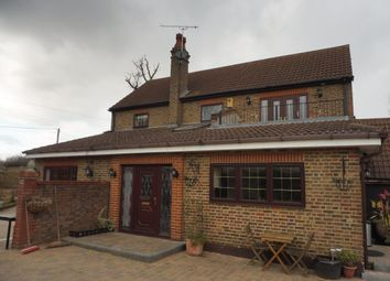 Thumbnail 4 bed farmhouse to rent in Rayleigh Road, Hutton, Brentwood