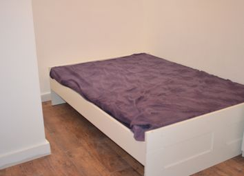 Thumbnail 2 bed flat to rent in Lower Ground Floor, Henbury Street, Shorditch