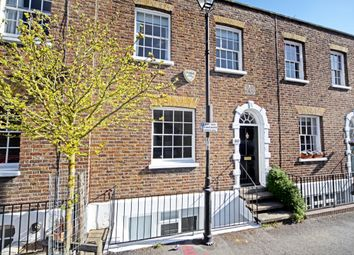 Thumbnail 2 bed town house to rent in Grove Road, Windsor