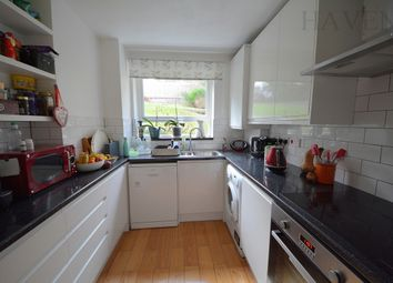 Thumbnail 2 bed flat to rent in Alexandra Park Road, Alexandra Park, London