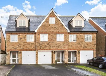 3 bed town house for sale in Cambridge Road, Crowthorne, Berkshire RG45