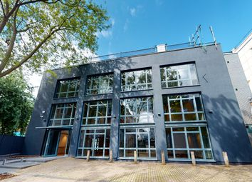 Office to let in Kingsland Passage, London E8