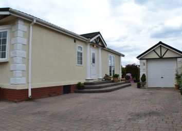 Thumbnail 3 bed mobile/park home for sale in West End Road, Mortimer Common, Reading