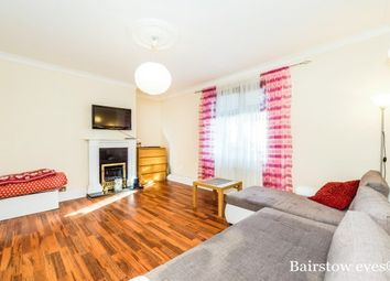 2 bed maisonette to rent in Bushgrove Road, Dagenham RM8