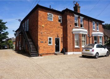 Thumbnail 1 bed flat to rent in 56 Bath Road, Maidenhead