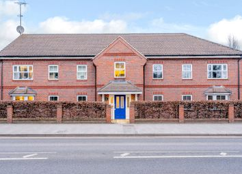 2 bed flat to rent in Talavera Close, Crowthorne, Berkshire RG45