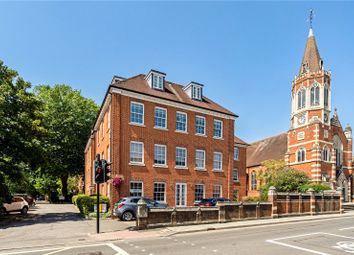 Norman House, Norman Avenue, Henley-On-Thames, Oxfordshire RG9. 3 bed flat