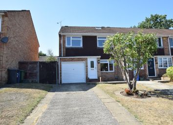 3 bed end terrace house for sale in Bartons Drive, Yateley GU46