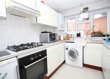Thumbnail 2 bed flat to rent in Crescent Road, London