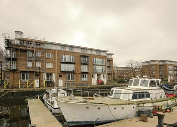 Thumbnail 3 bed flat to rent in Rainbow Quay, London