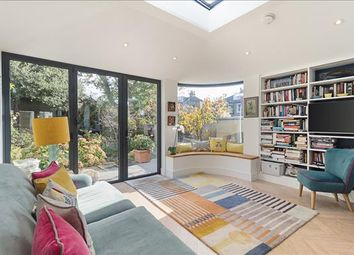 4 bed detached house to rent in Percy Road, Shepherds Bush, London W12