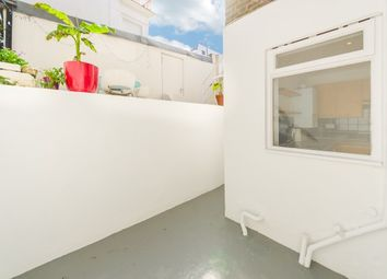 Thumbnail 2 bed flat to rent in Chepstow Road, Bayswater