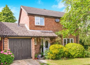 Thumbnail 4 bed detached house for sale in Avon Meade, Fordingbridge