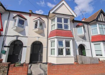 Westbourne Grove, Westcliff-On-Sea SS0. 3 bed terraced house