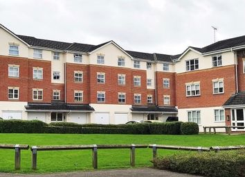 Thumbnail 2 bedroom flat to rent in Elm Park, Reading