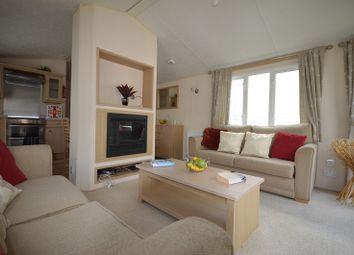 Thumbnail 2 bed mobile/park home for sale in Coghurst Hall Holiday Park, Hastings, East Sussex