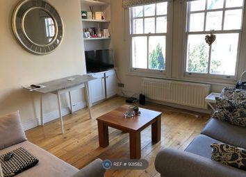 3 bed flat to rent in Queenstown Road, London SW8