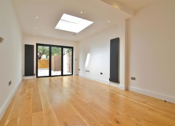 2 bed maisonette to rent in Avenue Road, Isleworth TW7
