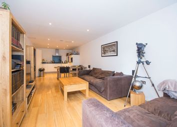 Thumbnail 1 bed flat to rent in Heathfield Road, Wandsworth Common
