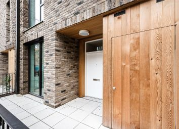 3 bed property for sale in North Woolwich Road, London E16