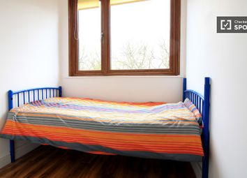 Thumbnail 5 bed shared accommodation to rent in Wharncliffe Road, London