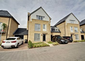 Thumbnail 5 bed link-detached house for sale in Kingcup Avenue, Hemel Hempstead