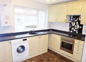Thumbnail 2 bedroom flat to rent in Kingsfield Road, Oxhey Park