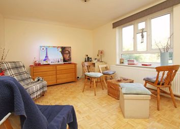 1 bed flat to rent in Buckingham Close, London W5