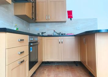 Thumbnail 4 bed flat to rent in Rugby Road, Southsea
