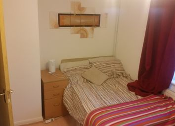 Thumbnail Room to rent in Woodhatch Close, London