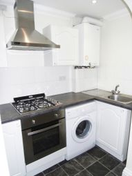 Thumbnail 1 bedroom flat to rent in Chatham Street, Reading